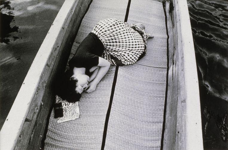 'Voyage sentimental' van Nobuyoshi Araki, 1971. Beeld rv Nobuyoshi Araki. Collection MEP, Paris. Don de la société Dai Nippon Printing Co., Ltd.