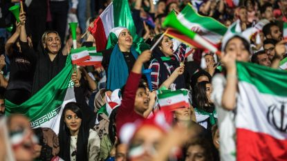 Iraanse vrouwen mogen voortaan binnen in voetbalstadions