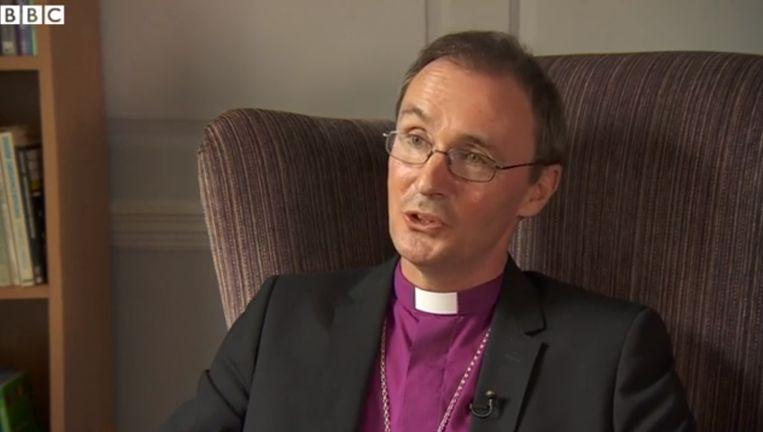 Bisschop Nicholas Chamberlain bij de BBC. Beeld Still uit video