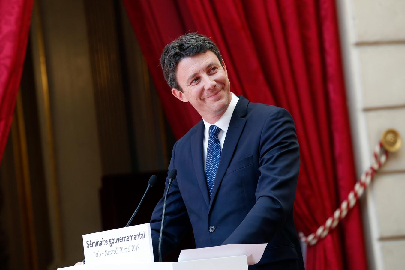 Griveaux is getrouwd met een advocate, met wie hij drie kinderen heeft