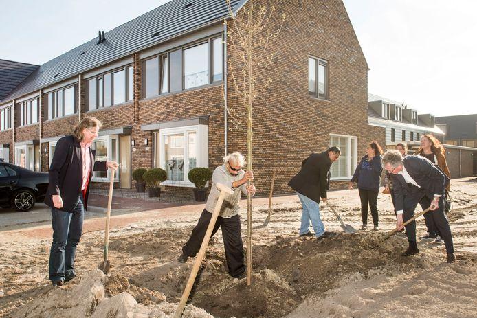 Woningen van woningcorporatie WonenBreburg worden opgeleverd in de Bredase wijk de Driesprong.