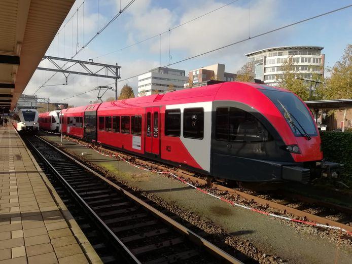 Een van de treinen op de MerwedeLingelijn.