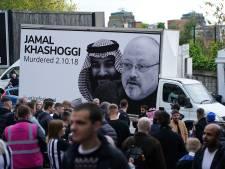 Vreugde én protest buiten stadion Newcastle United bij begin nieuw tijdperk