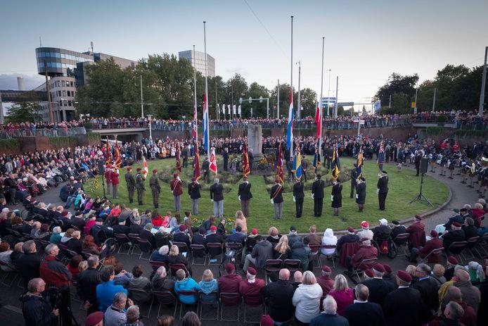 Arnhem staat niet alleen stil bij de Slag om Arnhem op de dag van de herdenking in de Berenkuil, voortaan worden ook de klokken geluid op de dag dat die begon: 17 september. Archieffoto: Erik van 't Hullenaar