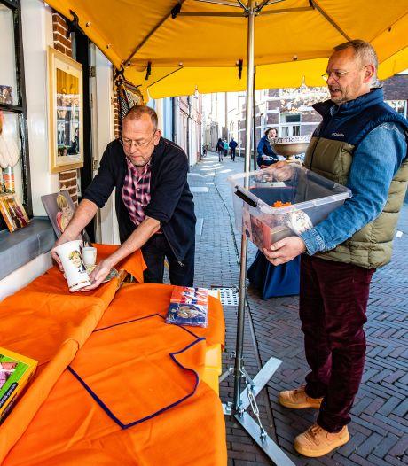 Mini Oranje Museum Deventer tóch een klein beetje open: 'Wil je de dag goed aftrappen met oranjebitter?'