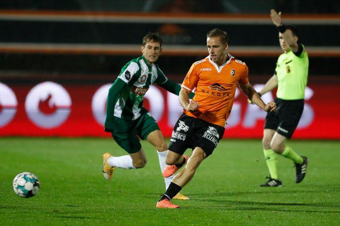 Thuis tegen Lommel versierde Alessio Staelens zijn tiende basisplaats in elf speeldagen en speelde hij voor het eerst op rechts.