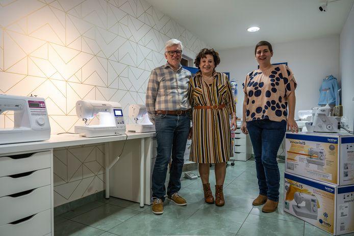 Na 40 jaar draagt Nicole (samen met haar man Willy op de foto) haar winkel over aan Katrien Daels van VanDaels.