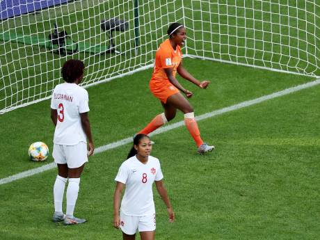 Oranje na zege op Canada in achtste finales tegen Japan