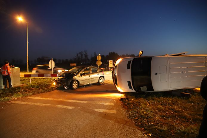 De schade in Ravenswaaij  na het ongeluk