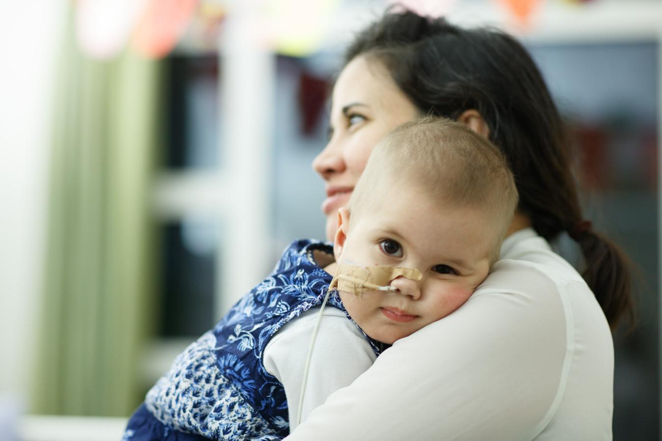 De ouders Carolina Borges en Geert Rutten zoeken een stamceldonor voor hun doodzieke dochtertje Ana Elena.