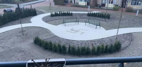 Hakenkruis in binnentuin Oranjehof in Zelhem: 'Schoffering van ons ouderen'