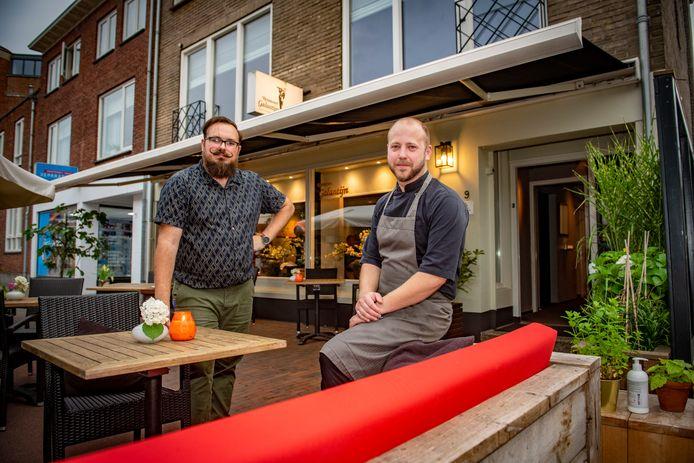 Eigenaren Michiel de Rooy en Niels Buiting voor het vernieuwde restaurant De Galantijn
