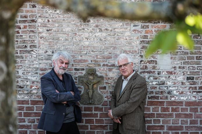 Theo Salemink en Wim van Heugten hebben na 66 jaar een nieuw allesomvattend werk over De Liemers geschreven.