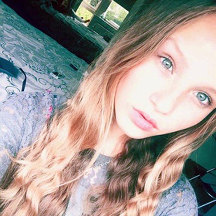 Romy Nieuwburg 14 jaar dood gevonden in een sloot in Achterveld<br />