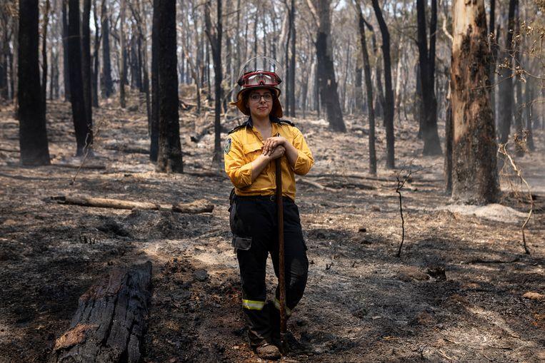 Plaatsvervangend brandweercommandant Kimberly Collante (24), moeder van twee kinderen, woont in Mittagong.  Beeld David Maurice Smith / Oculi