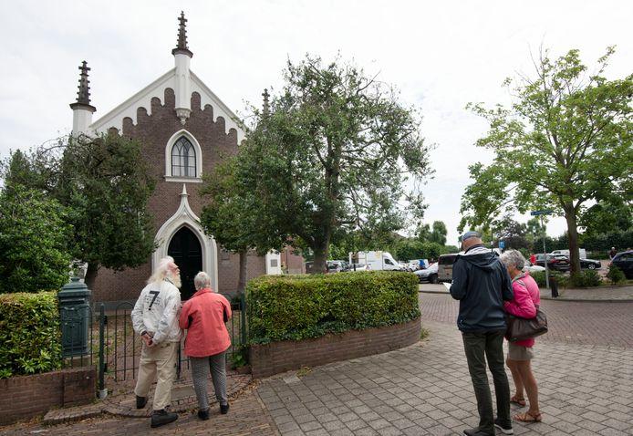 De functie van het kleine kerkgebouw aan de Jodenkerkstraat als joods gebedshuis is weer in ere hersteld.