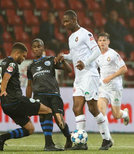 Slap FC Den Bosch zakt volledig door het ijs aan het IJ