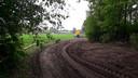 Slingerende zandpaden als de Oude Rogkamp worden door de gemeente gekoesterd om hun landschappelijke waarde.