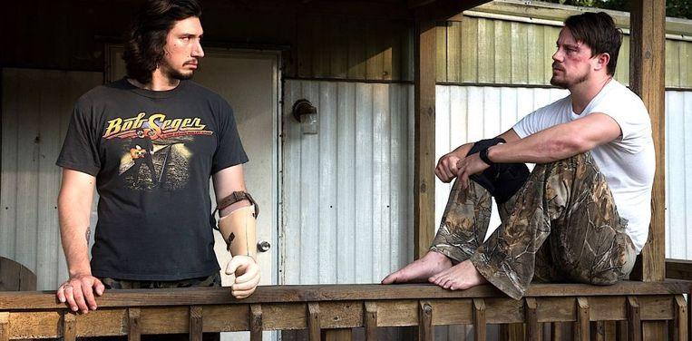 Adam Driver (links) en Channing Tatum in Logan Lucky van Steven Soderbergh Beeld