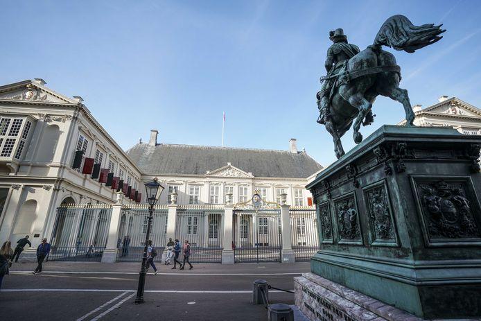Vanochtend was het nog doodstil bij paleis Noordeinde in Den Haag.