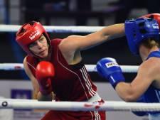 Lacruz en Fontijn doen sportieve plicht bij NK boksen