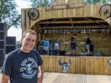 Dicky Woodstock 30 jaar: gratis bier, jubileumnummer en ongetrouwd slapen in een caravan