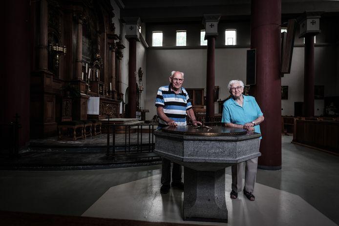Henk te Dorsthorst (84) en Annie Köning (86) moeten straks naar de kerk in Zevenaar.