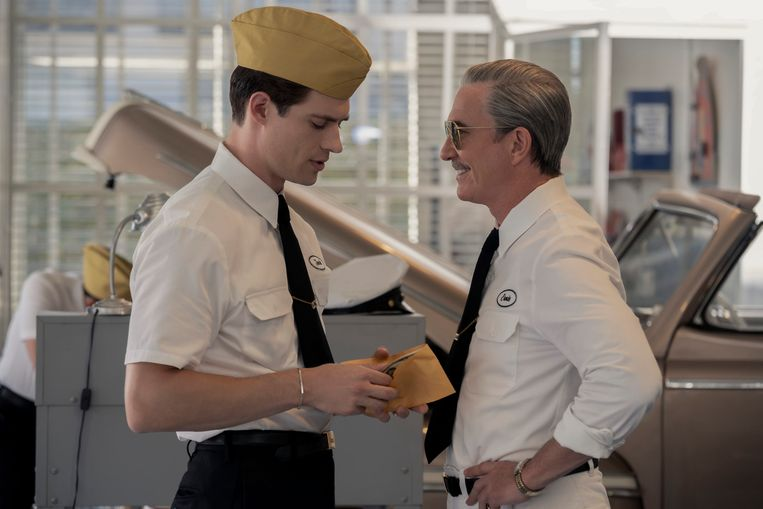 Dylan McDermott (rechts) en David Corenswet in 'Hollywood'. Beeld