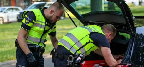 Politie slingert bij grote controle 81 verkeerszondaars op de bon