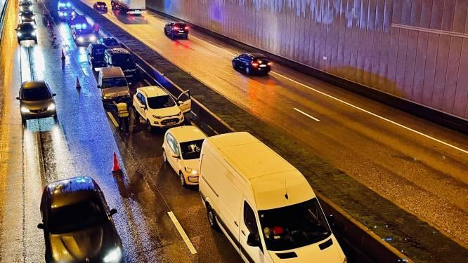 Kettingbotsing met 9 voertuigen zorgt voor hinder op Expresweg