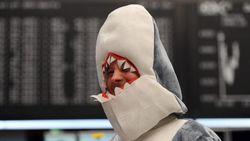 Boerkaboete voor man in haaienkostuum