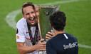 Luuk de Jong na het winnen van de Europa League-finale, waarin hij twee keer scoorde.