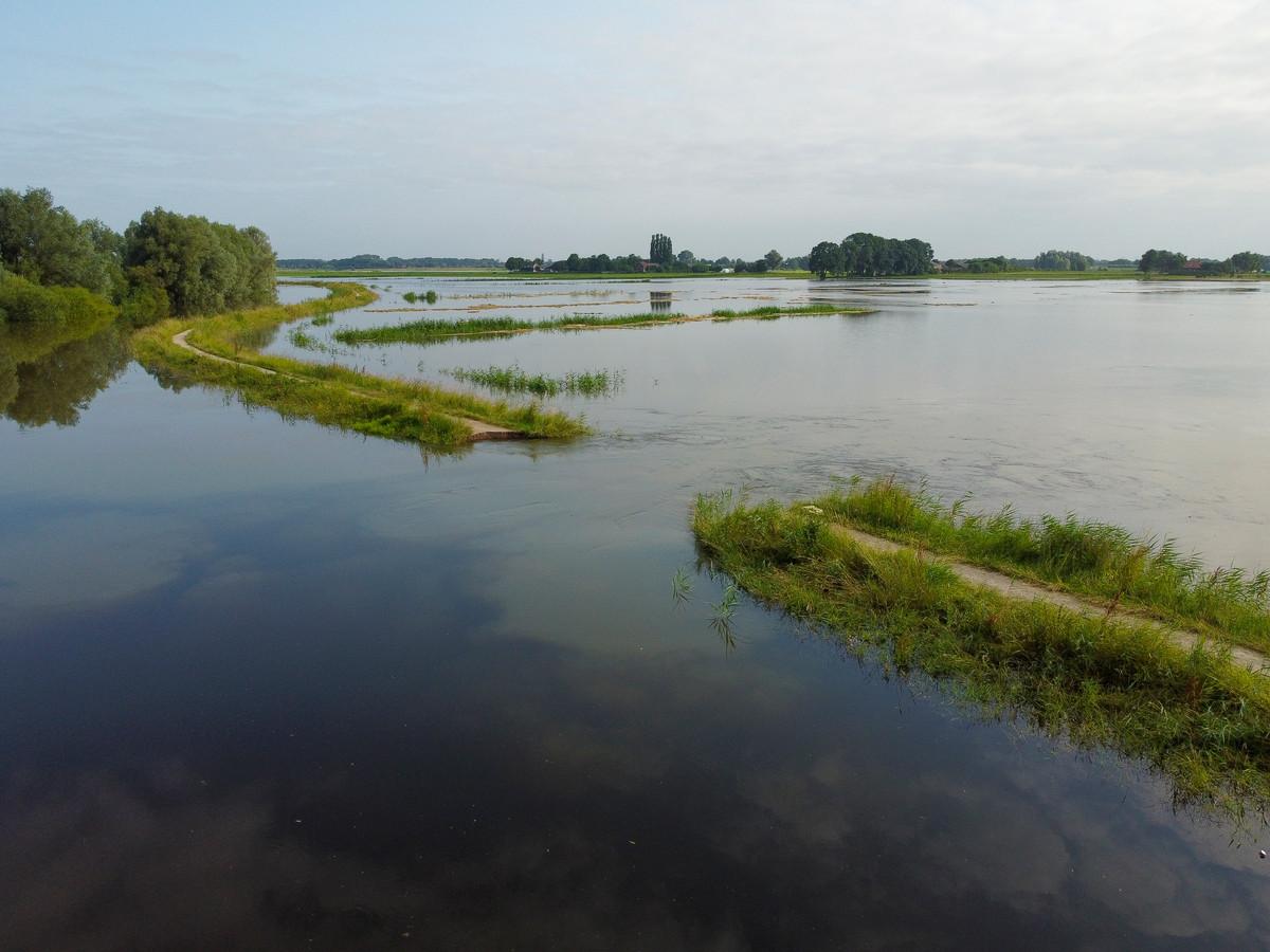 De doorgebroken Zomerdijk in het Apeldoorns Kanaal bij Hattem