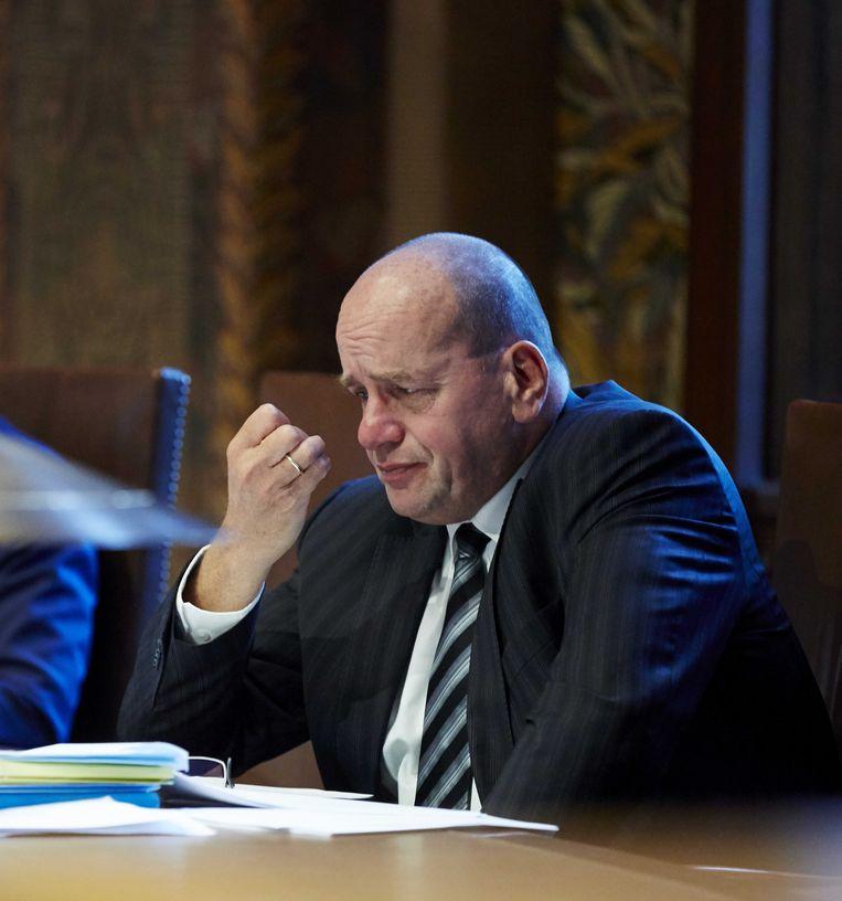 Staatssecretaris Fred Teeven van Veiligheid en Justitie in de Eerste Kamer. Beeld anp
