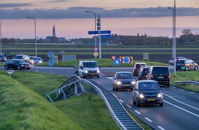 De N57 gaat in september en oktober op verschillende momenten en stukken dicht voor werk aan het asfalt. Zo is de weg dicht tussen Serooskerke en de aansluiting met de A58 bij Nieuw- en St Joosland van maandag 11 tot en met donderdag 14 oktober, steeds van 20.00 uur tot 6.00 uur.
