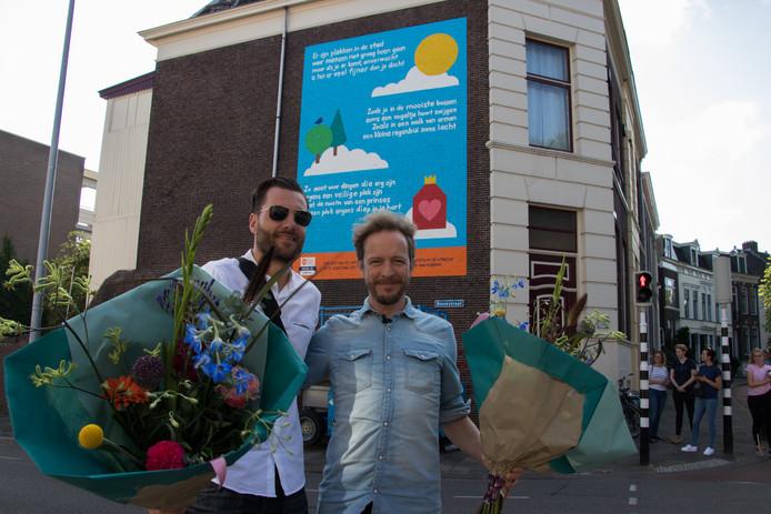 Dichter Alexis de Roode (rechts) en schilder Michiel Meulemans (links) van De Strakke hand.