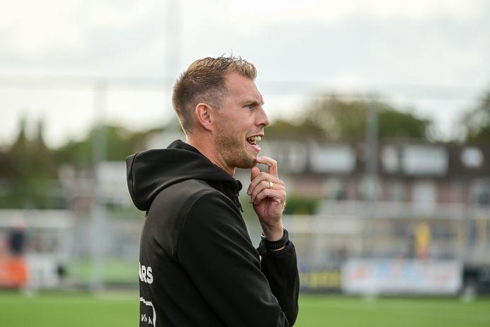 Werner Pluim maakt de overstap naar het vrouwenvoetbal.