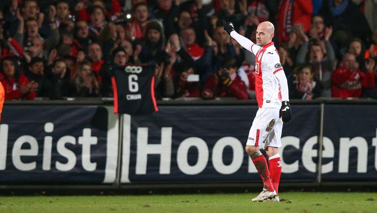 Laurent Ciman nam op Westerlo al afscheid van de fans maar de grote uitzwaai is voor zondag thuis tegen Anderlecht. Beeld BELGA