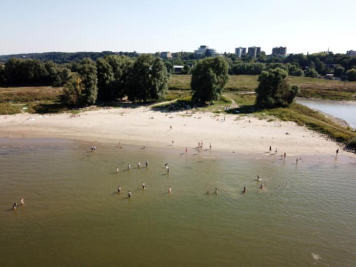 Bij de Stadswaard in Nijmegen wordt in de  Waal gerecreëerd.