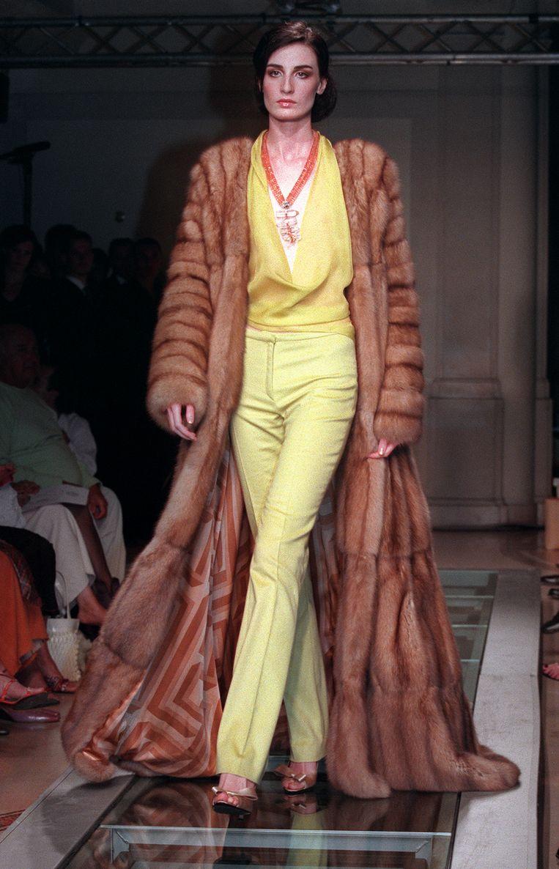 Versace maakt al jarenlang gretig gebruik van bont. Beeld AFP