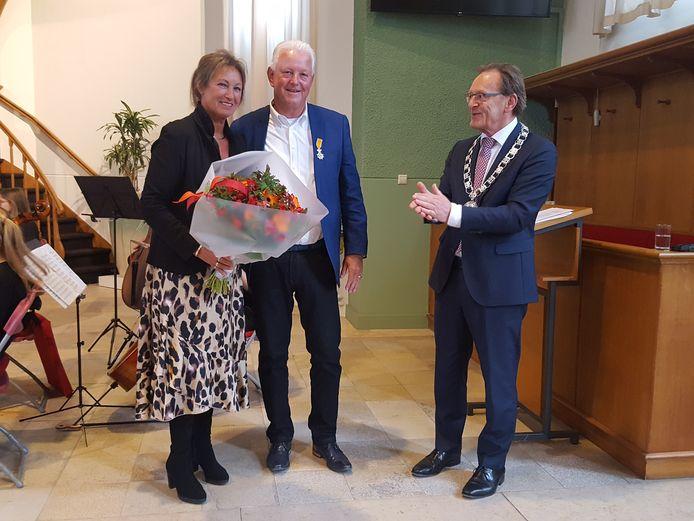 Jelte Veenhoven kreeg de onderscheiding uitgereikt in de Sionskerk in Zeist.