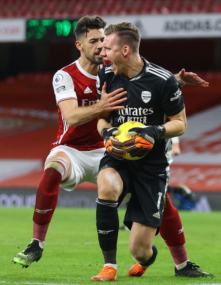 Arsenal-keeper Bernd Leno houdt een strafschop tegen waardoor het 3-1 blijft. Beeld EPA