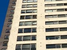 Extra veiligheidsmaatregel voor vallende stenen bij woontoren De Regent in Eindhoven