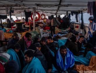 Meer dan 360 migranten aan land op Sicilië