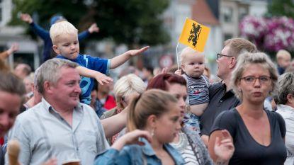 Meezingfeest 'Vlaanderen Zingt' in Houtem