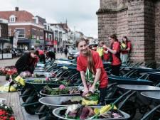 39 in de verkoop en 1 gestolen: Doetinchem neemt alweer afscheid van de lentekruiwagens in de binnenstad
