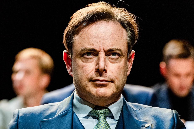 Bart De Wever lijkt het moeilijk te hebben met de gedachte dat een federale regering zonder de N-VA gevormd kan worden. Beeld OPENVLD
