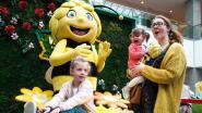 VIDEO. Ravotten in de nieuwe lentetuin van Wijnegem Shopping