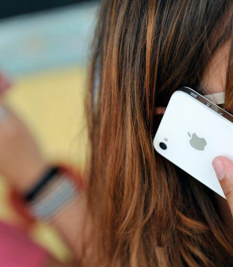 Tientallen telefoons gestolen tijdens toetsweek op Dordtse school: 'Dit is verdrietig'