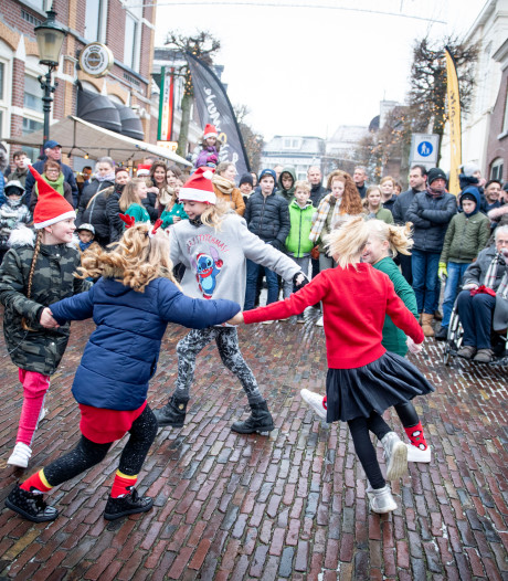 Zondagse kerstmarkt Almelose Doelenstraat presenteert nu echt een rondje